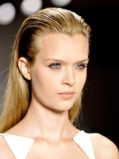 capelli-lunghi-con-radici-effetto-bagnato capelli-lunghi-con-radici-effetto-bagnato-1