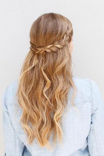 capelli-mossi-semiraccolti capelli-mossi-semiraccolti-1