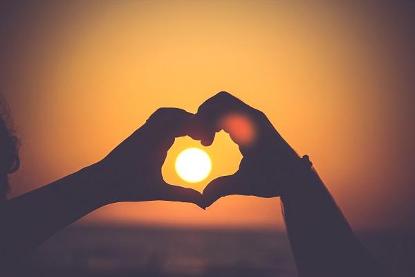 eritema solare consigli eritema-solare-consigli