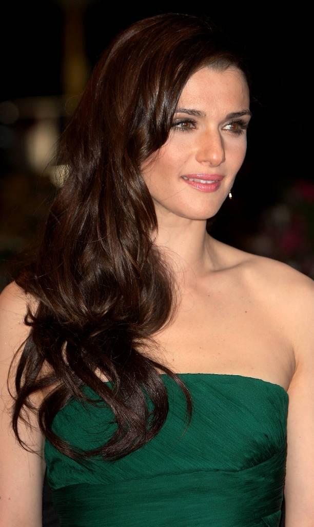 medium-long-wavy-hairstyles medium-long-wavy-hairstyles