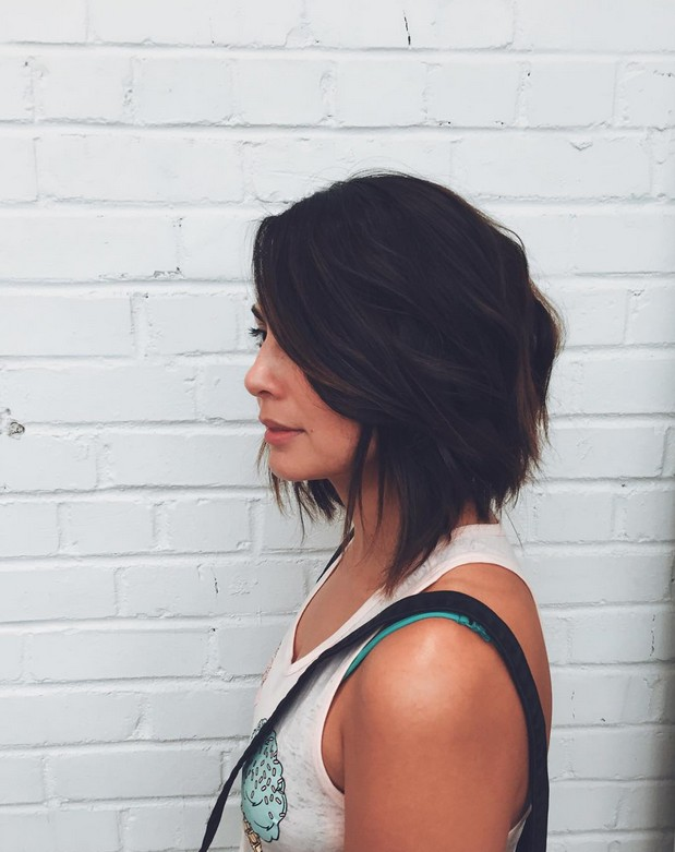textured-graduated-bob-hairstyle-for-shoulder-length-hair