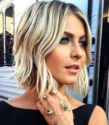 Casual-Wavy-Hairstyle-for-Short-Hair