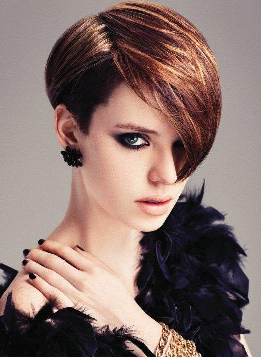 Popular-Short-Hairstyle-with-Long-Side-Swept-Bangs-for-Women