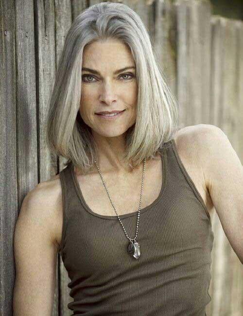 Tagli capelli over 50: nuovi stili corti da sfoggiare subito