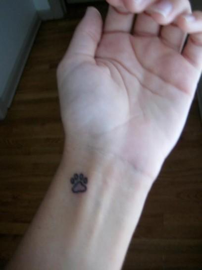 piccolo-tatuaggio-per-il-polso