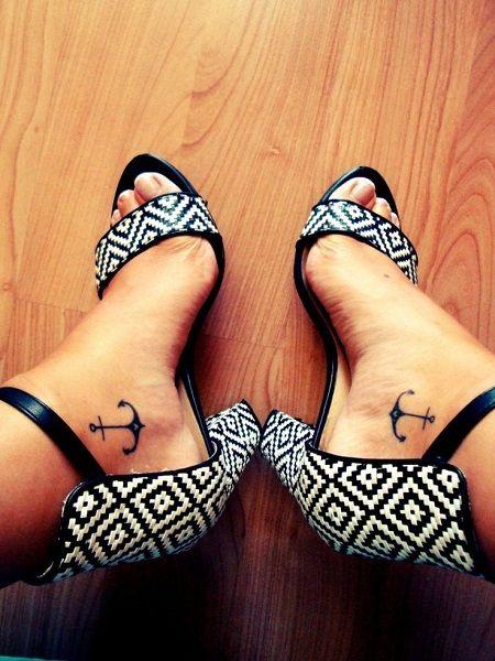 tatuaggio-ancora-piedi