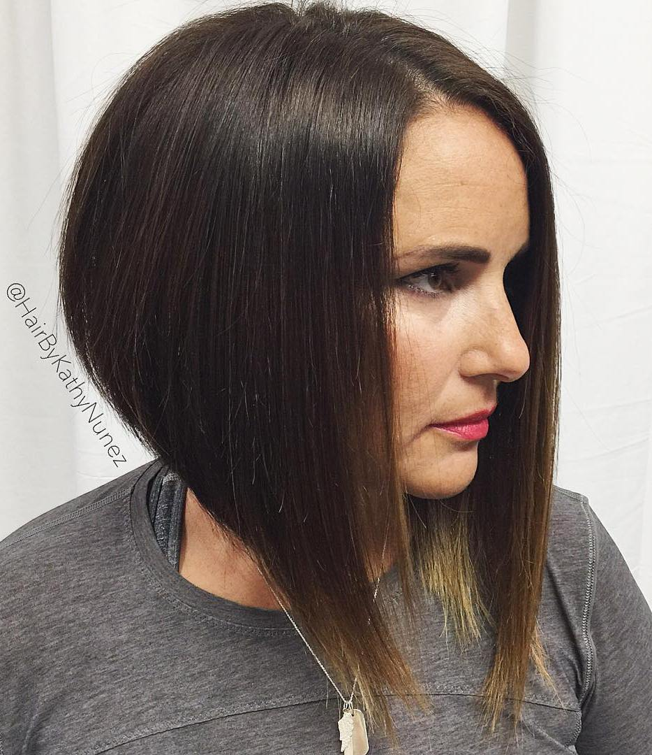 17-steeply-angled-brown-bob