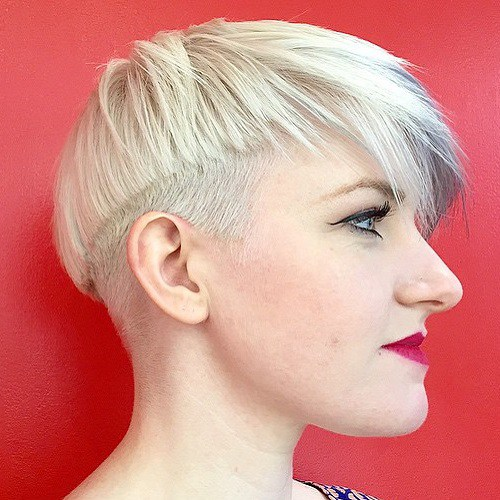 2-asymmetrical-blonde-bowl-cut