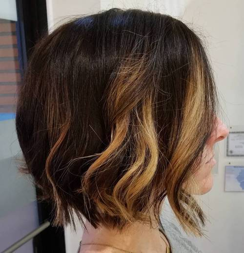 7-wavy-medium-length-chopped-bob