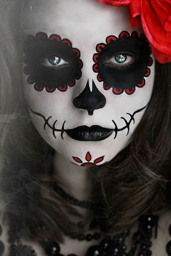 pretty-and-scary-halloween-makeup-ideas-for-for-the-whole-family_35