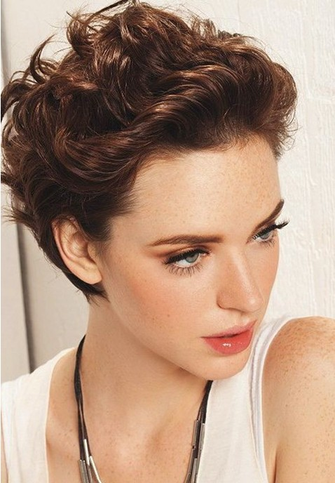 sexy-short-wavy-curly-hairstyle-for-women