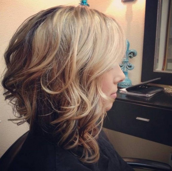 stacked-medium-curly-bob-hairstyle-for-thick-hair