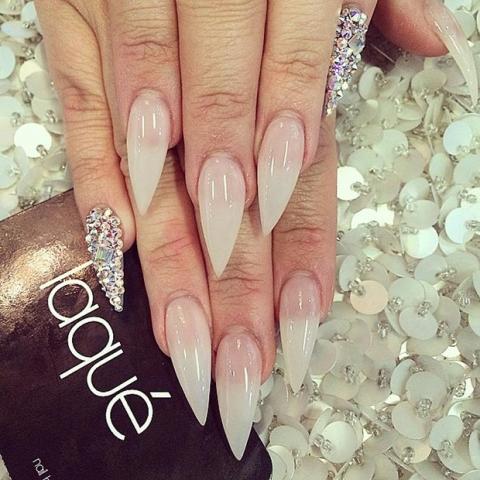 unghie-stiletto-nail-art-decorate-24