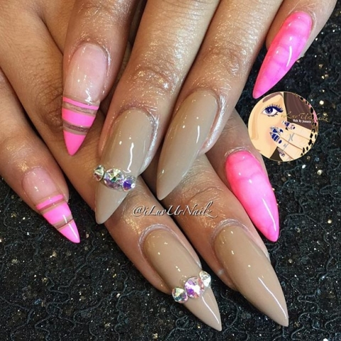unghie-stiletto-nail-art-decorate-26
