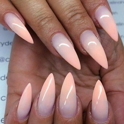 unghie-stiletto-nail-art-decorate-30