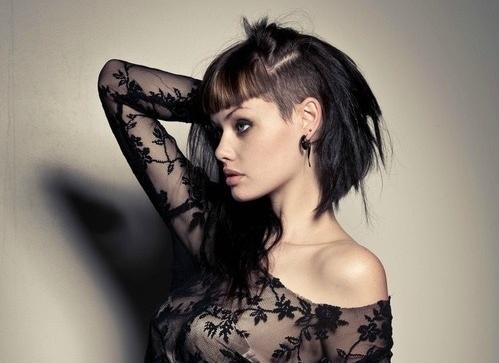 Tagli capelli lunghi e rasati