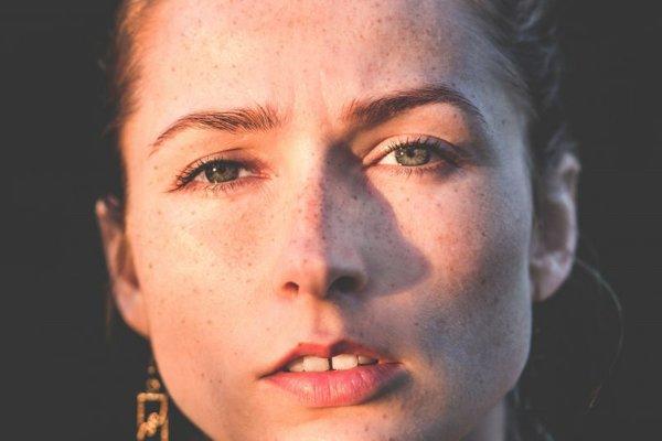 fondotinta minerale acne