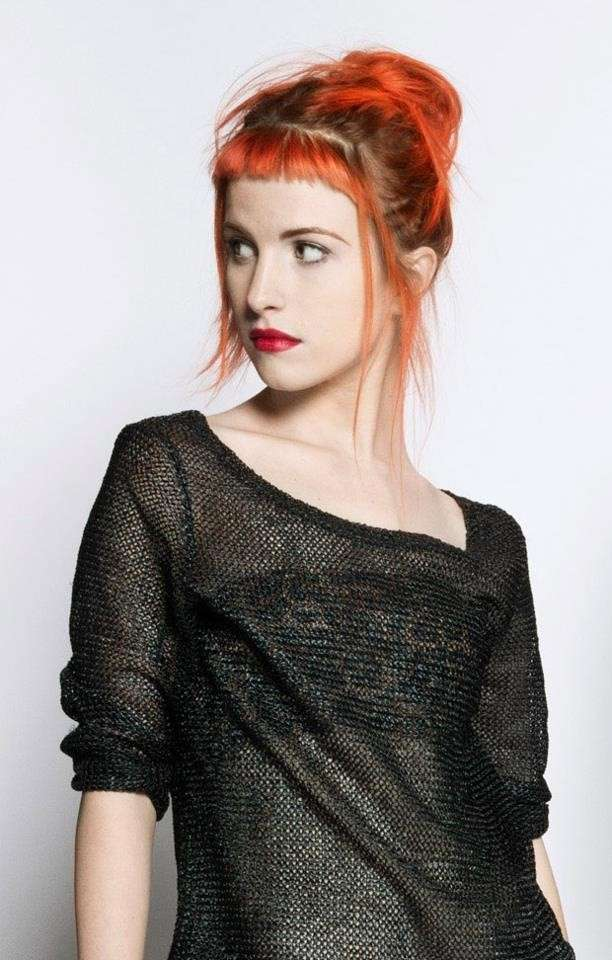hayley-williams-frangia-colorata