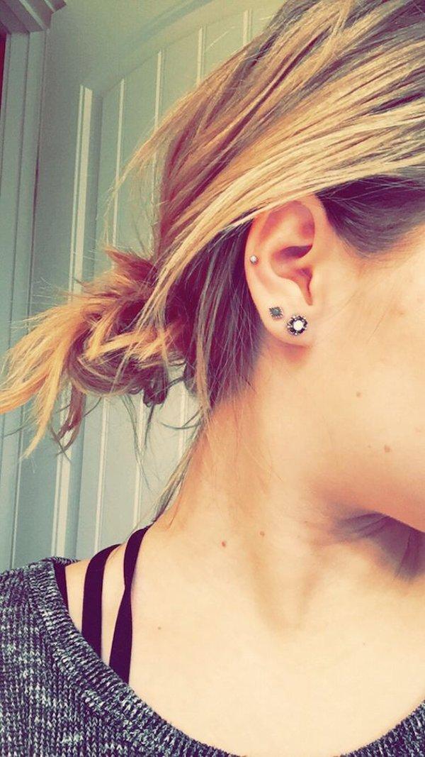 orecchio piercing