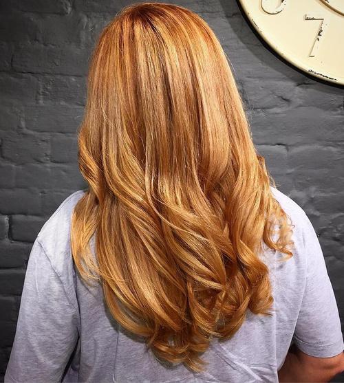 40 tagli di capelli a V per chiome corte, medie e lunghe!