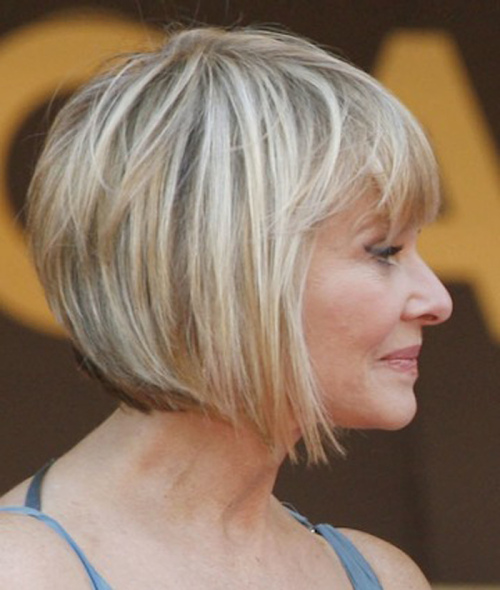 photos of short haircuts for older women 45 tagli di capelli corti per 50 per il prossimo mese 4064 | Elegant Short Angeled Bob Hairstyles for Older Women0
