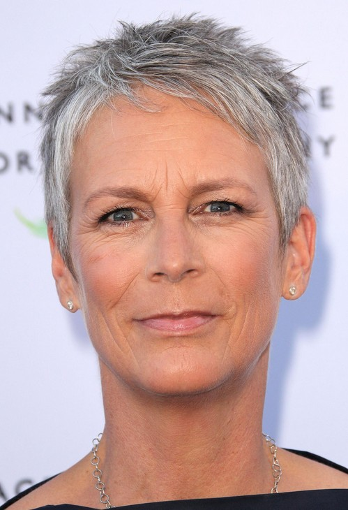 jamie-lee-curtis-short-haircut-for-women-over-50