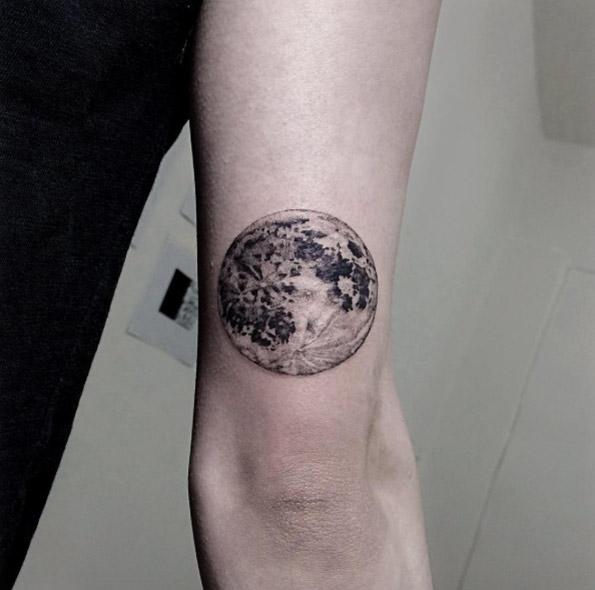 moon-tattoo