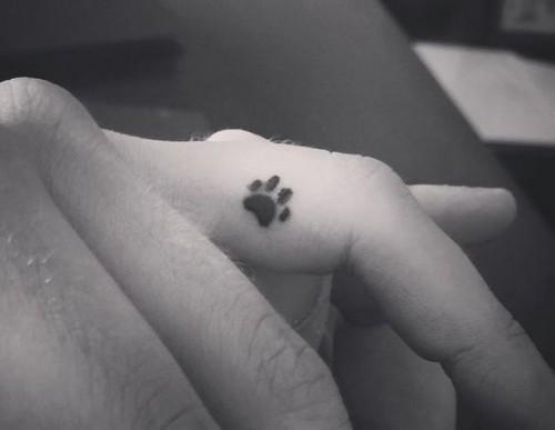 small-finger-tattoo_10