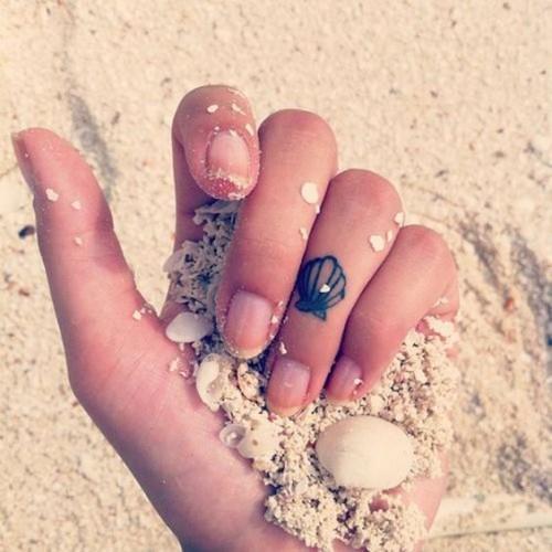small-finger-tattoo_23