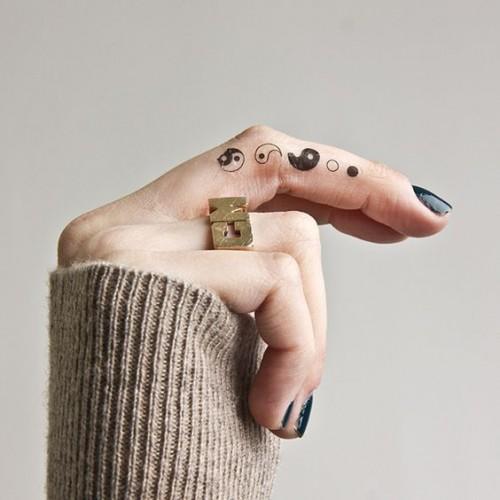 small-finger-tattoo_26