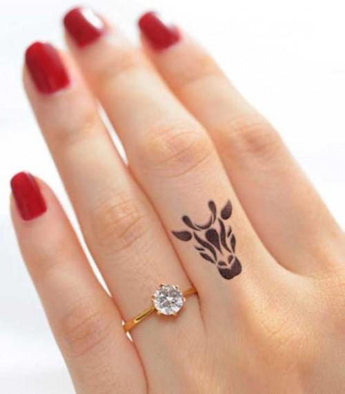 small-finger-tattoo_33