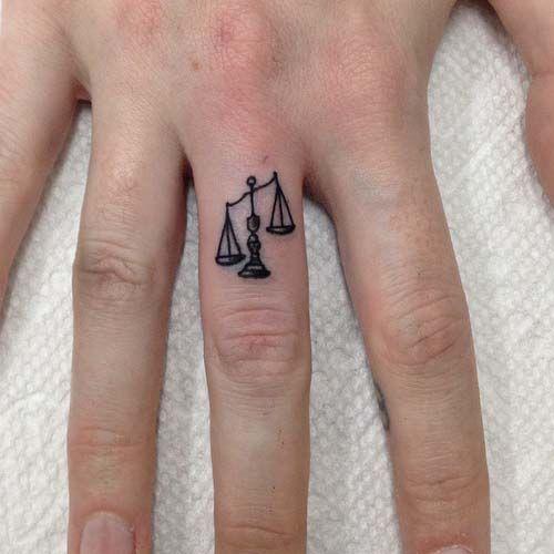 small-finger-tattoo_38