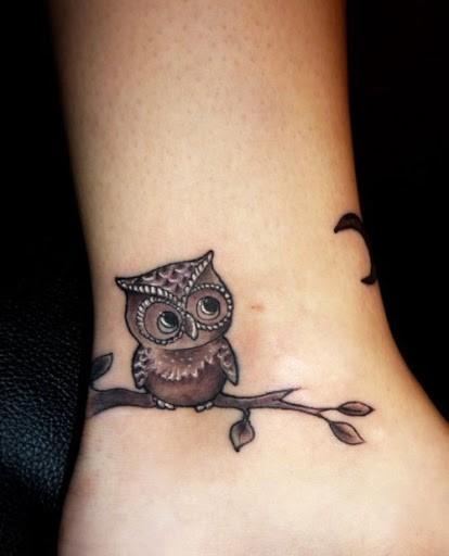 tatuaggio-piccolo-gufo-sul-polso1