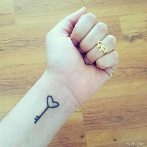 50-cute-tattoo-designs-for-girls-37