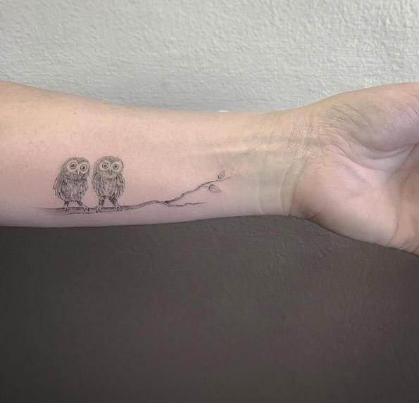 tiny-girl-tattoo-design-8