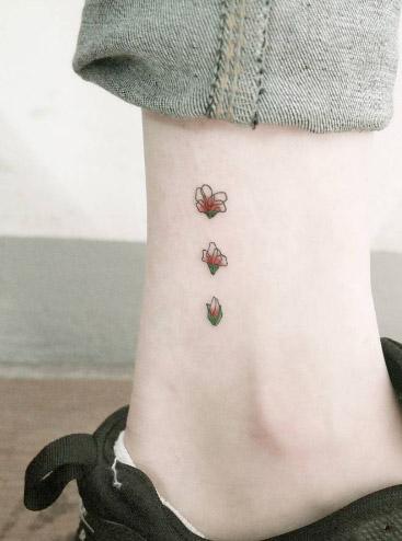 tiny-girl-tattoo-design-88