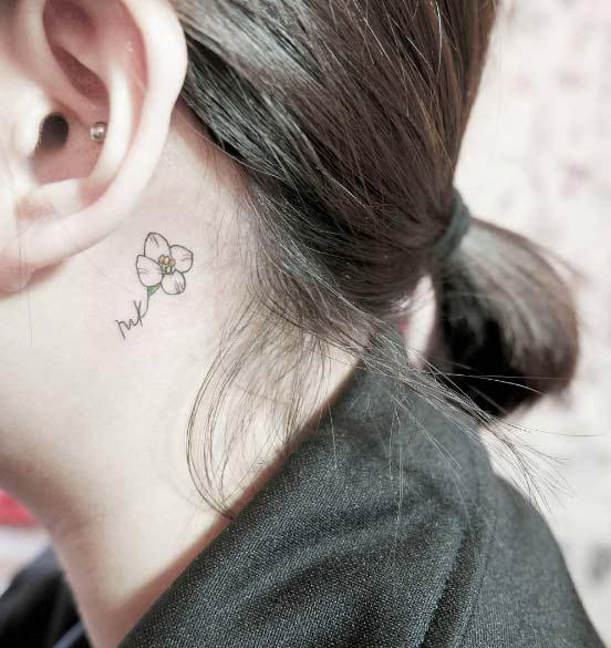 tiny-girl-tattoo-design-90