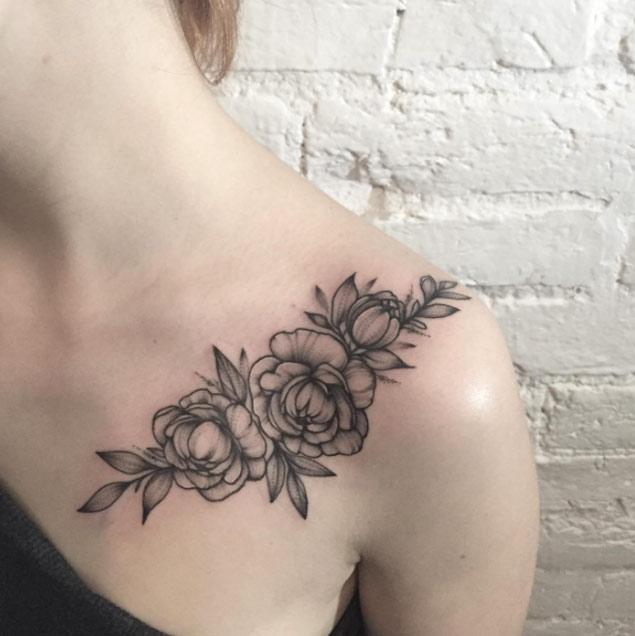 blackwork-floral-shoulder-tattoo