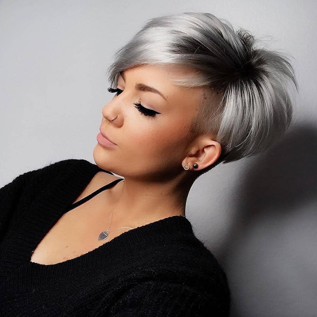 capelli grigi trendy