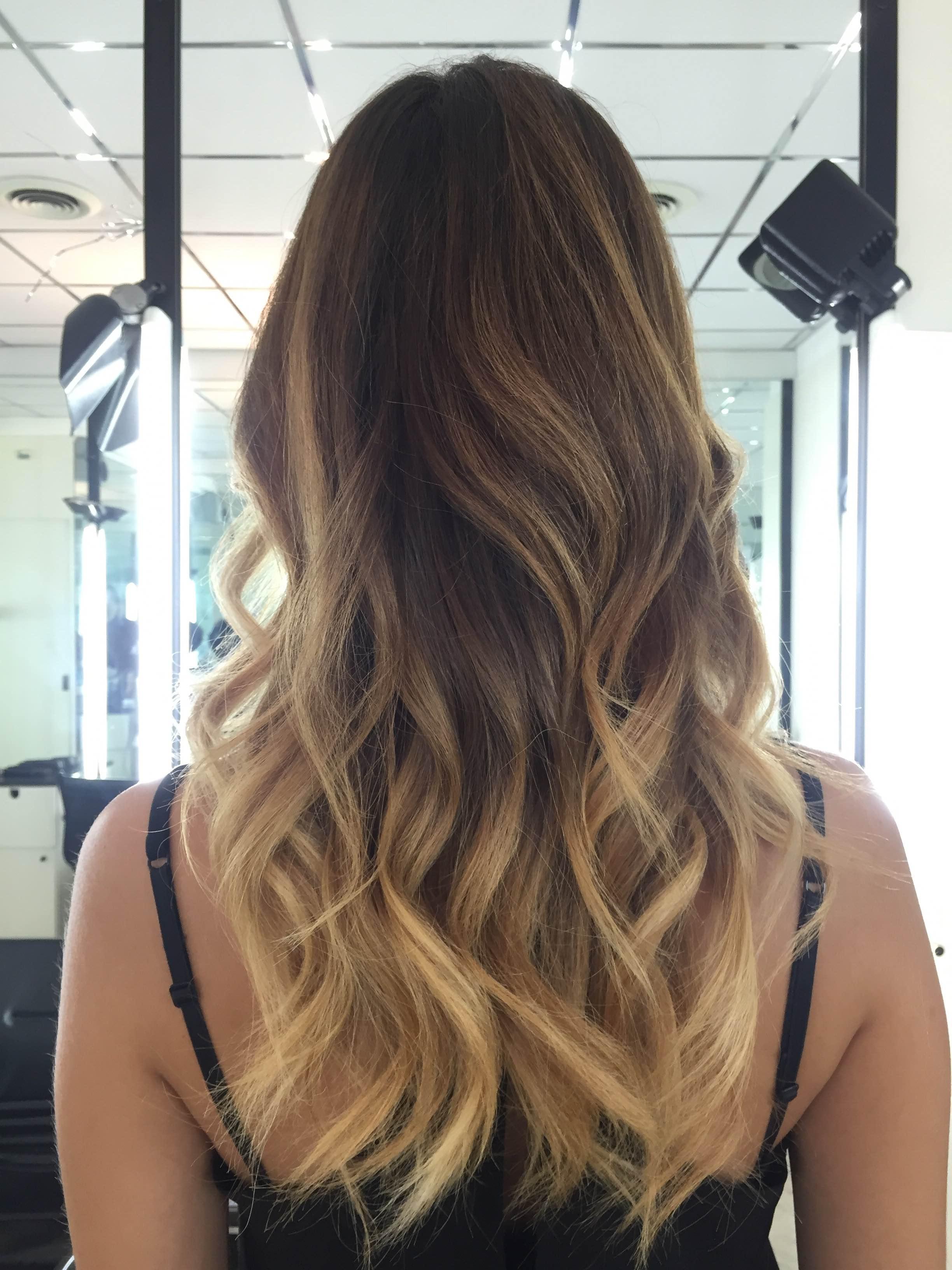 Tagli di capelli lunghi degrade