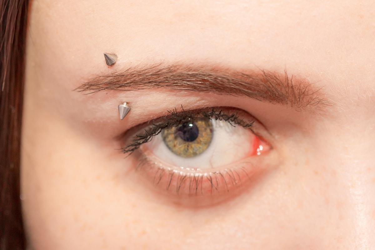 piercing sopracciglio