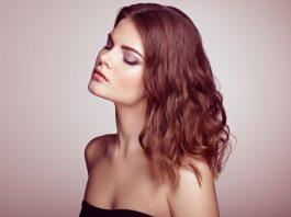 tagli di capelli lunghi scalati