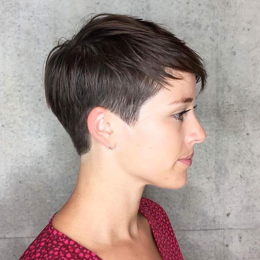 capelli corti scalati