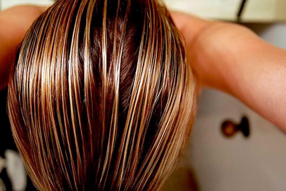 Aceto-di-mele-capelli