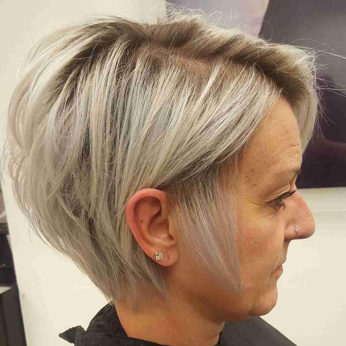 Taglio capelli 50enne