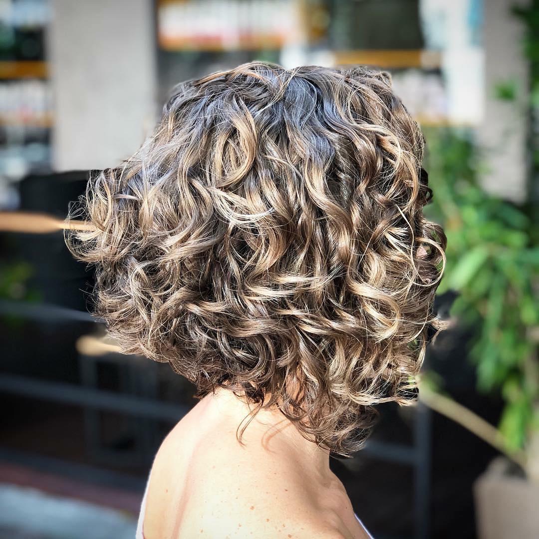 capelli ricci long bob