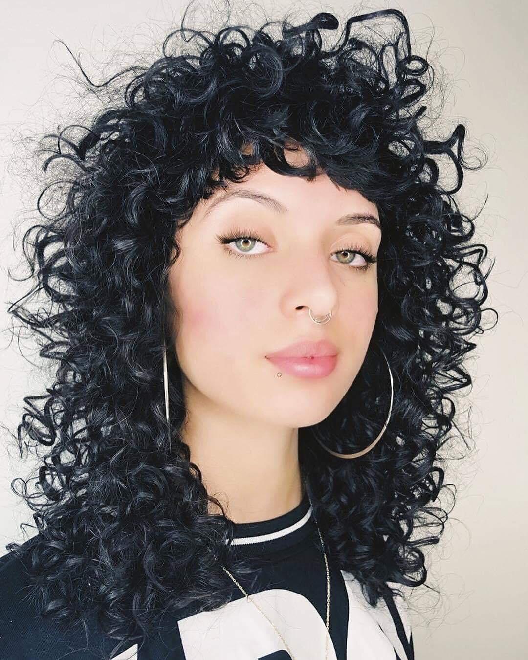 Tagli capelli corti ricci inverno 2019