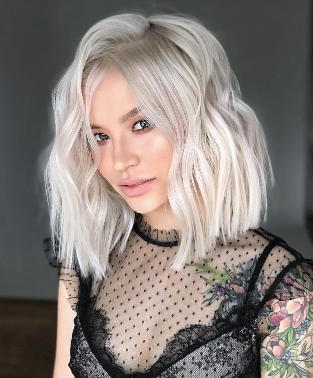 Tagli capelli corti e bianchi