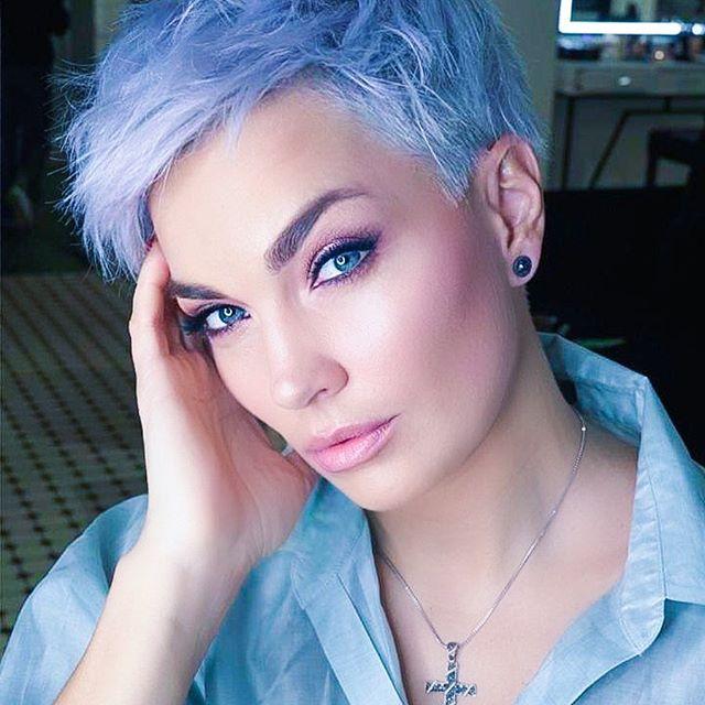 lisci corti azzurri