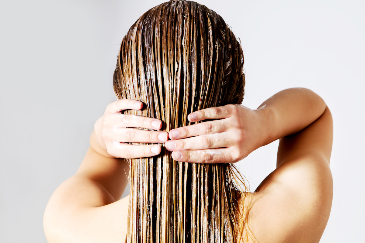 Lavare i capelli senza acqua